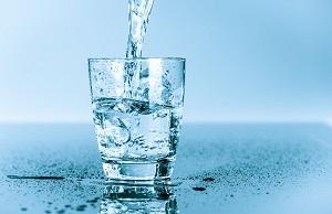 Igyon sok vizet a visszér ellen