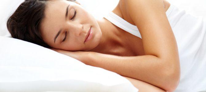 Háton vagy oldalt alszik?