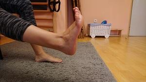 leszokni a lábak húzásáról)