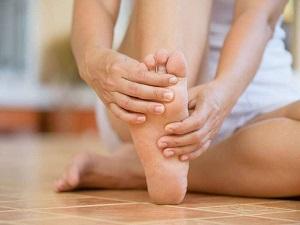 törött láb ujj zsibbadása